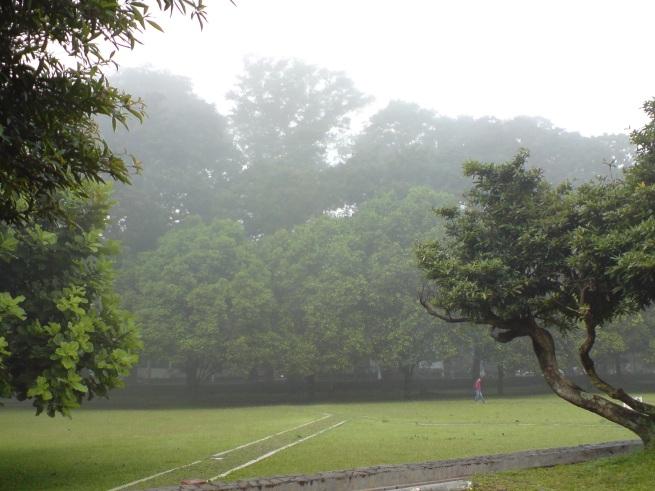 Kabut di Lapangan ITB