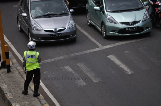 Polisi Lalu Lintas di Bandung