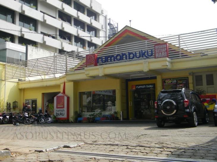 tampak depan toko rumah buku Bandung