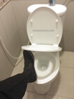 kaki ke toilet